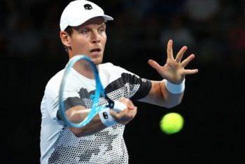 Cách chọn vợt tennis phù hợp để phát huy sức mạnh của người chơi