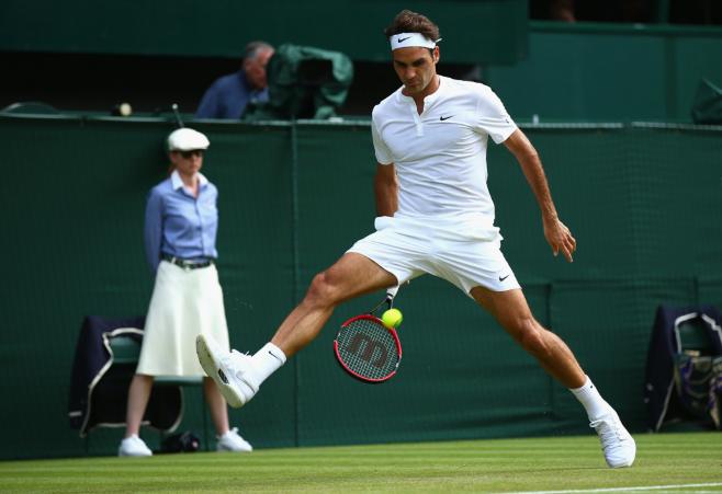 Kỹ thuật chơi tennis cơ bản – cú lốp bóng thần kỳ của Federer