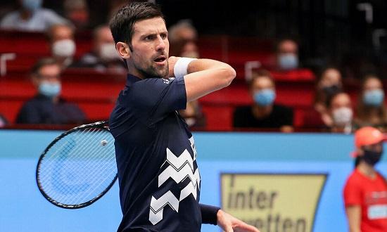Sau khi may mắn thoát hiểm, Djokovic đã vào tứ kết Vienna Mở rộng 2020